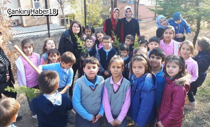 Adnan Menderes'de  Anlamlı Öğretmenler Günü Kutlaması - Eğitim Çankırı haber18