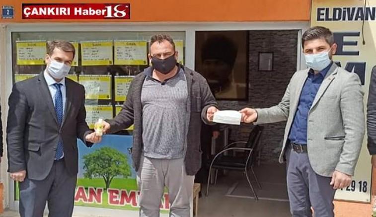 AK Parti Eldivan'da Maske Ve Kolonya Dağıttı - Eldivan - Çankırı -Eldivan - Haber 18 - attorney at law ,boat yacht  wealth luxury