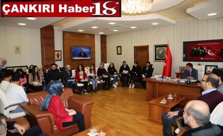Rektör Hasan Ayrancı, Bankacılık ve Finans Bölümü Öğrencilerini Ağırladı - Üniversite - Çankırı - Haber 18