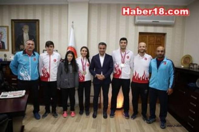 Badminton Takımı Avrupa'dan Madalyalarla Döndüler Çankırı Spor - Çankırı