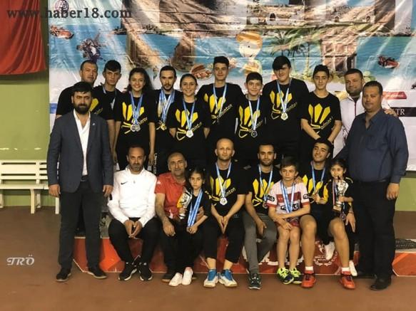 Badmintoncularımız Madalyaları Topladı - Spor - Çankırı haber 18