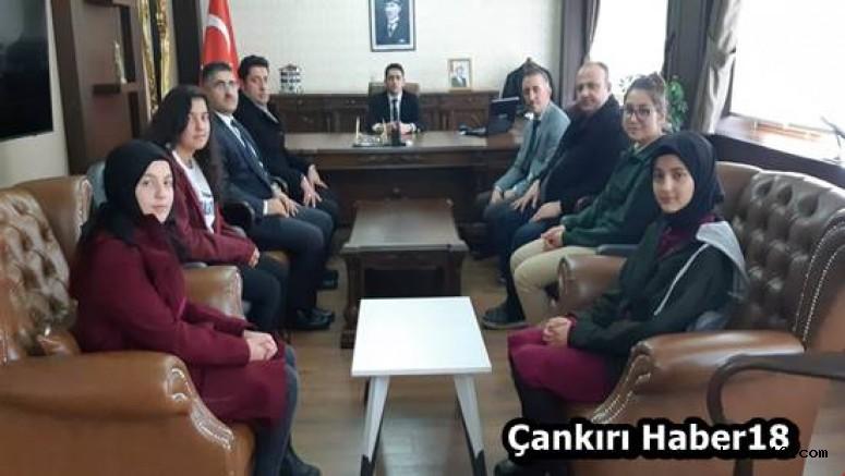 Bayan Boksörler Kaymakam İlhan Kayatürk'ü Ziyaret Etti Orta haber18 çankırı
