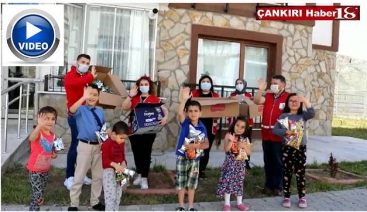 Türk Kızılay Çankırı Şubesi Bayramda Çocukları Sevindirdi - Çankırı STK Haber18 - attorney at law ,boat yacht  wealth luxury