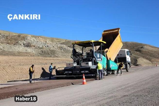 Belediye Esentepe yolunu sıcak asfalt ile buluşturuyor Çankırı Belediyesi - Çankırı