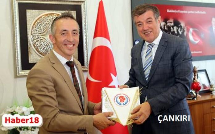 Boks Milli Takımından Rektör Ayrancı'ya Teşekkür Ziyareti - Spor - Çankırı -Spor - Haber 18 - attorney at law ,boat yacht  wealth luxury