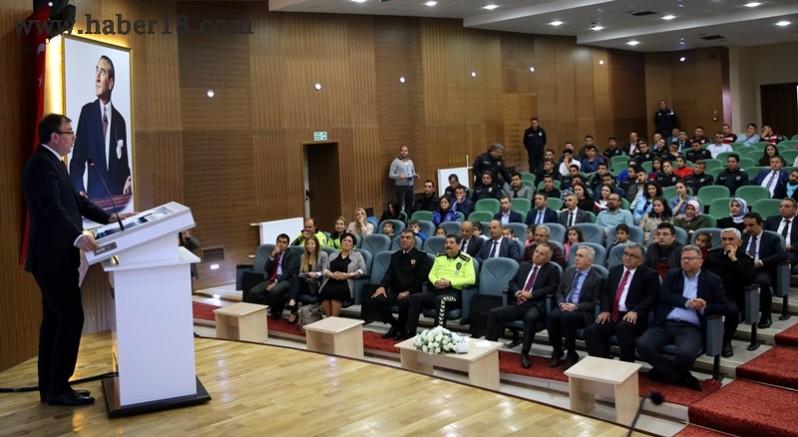 Çankırı - Çankırı'da Yaya ve Çocuk Güvenliği Paneli Gerçekleştirildi - Üniversite haber18 haberleri