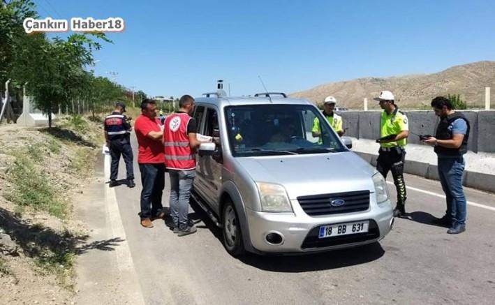 Yolculara Soda Ve Lokum İkramı - STK - Çankırı - haber18