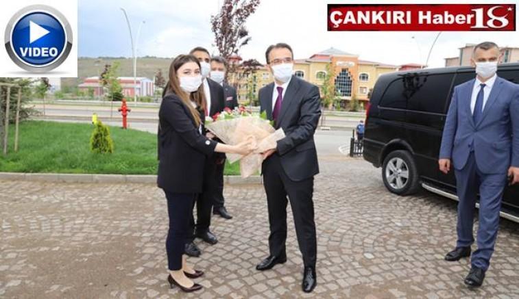 Çankırı Yeni Valisi Abdullah Ayaz, Valilik önünde yapılan karşılama sonrası görevine başladı - Çankırı valilik Haber18 - attorney at law ,boat yacht  wealth luxury