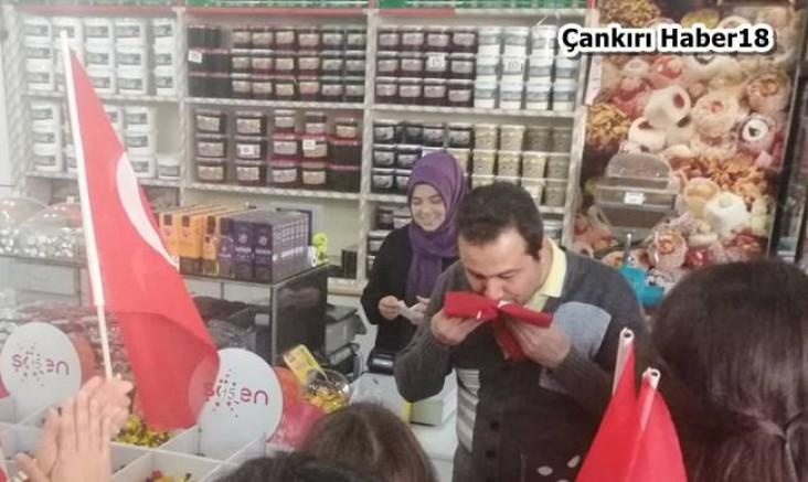 Çankırı - Çocuklar Şehir Merkezini Bayraklarla Donattı - Belediye Çankırı haber18