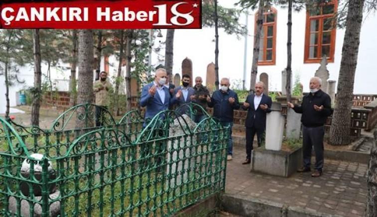 Fatih Sultan Mehmet'in Çankırı'daki  Halasının Mezarını Ziyaret Ettiler - Çankırı siyaset Haber18 - attorney at law ,boat yacht  wealth luxury