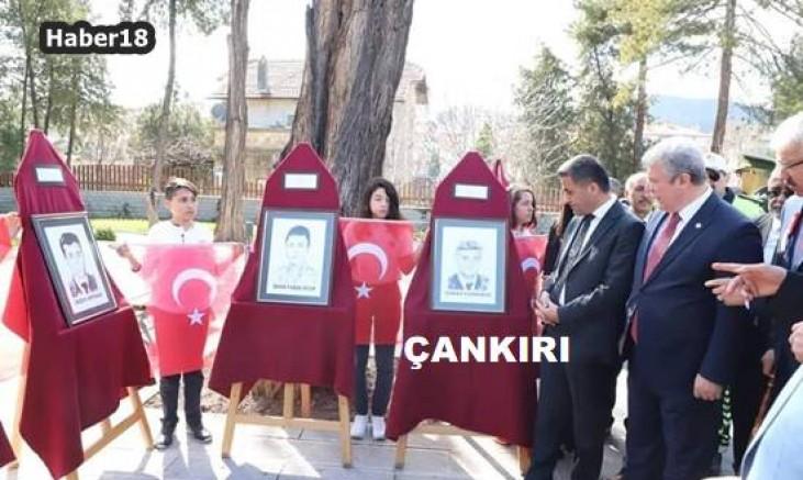 İstiklal Yolu Parkında Şehitler Temalı Sergi Açıldı Genel - Çankırı