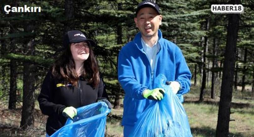 Çankırı haber18 - Japonlar ve Belediye Çalışanları Kent Ormanı'nı Temizledi Çankırı Belediyesi - Çankırı resim görselleri