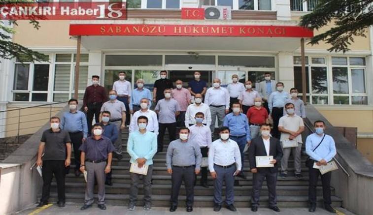 Çankırı Şabanözü Kaymakamı Ferhat Altay İlçede Personellere Başarı Belgesi Verdi - Çankırı Şabanözü Haber18 - attorney at law ,boat yacht  wealth luxury
