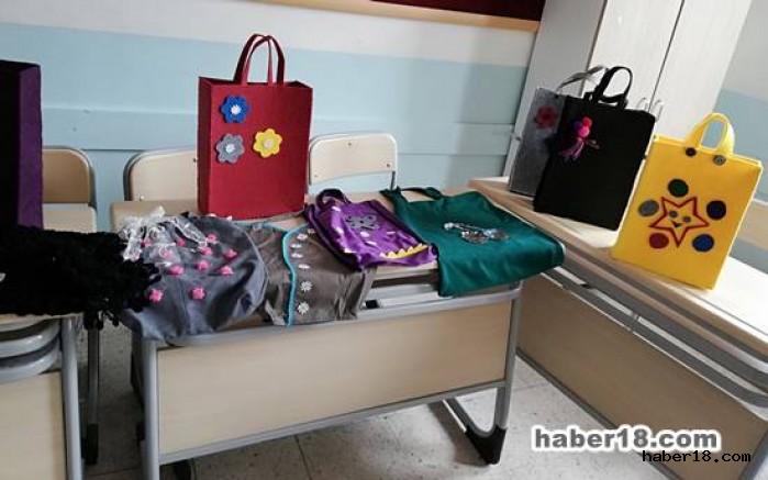 Çankırı - Milli Eğitim Müdürüne Çanta Hediye Ettiler - Çankırı Eğitim haber18 haberleri