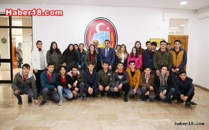Öğrenciler Başkan Hüseyin Boz'u Ziyaret Ettiler Hüseyin Boz haber18 çankırı