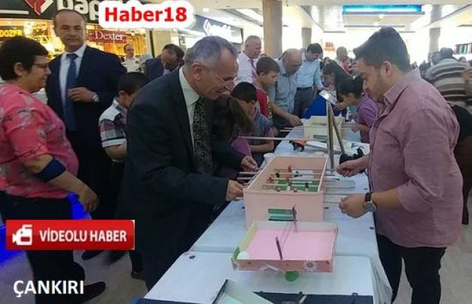 Çankırı - Öğrenciler Geri Dönüşümden Yaptıkları Kıyafetleri Giydi - Genel Haberler haber18 haberleri