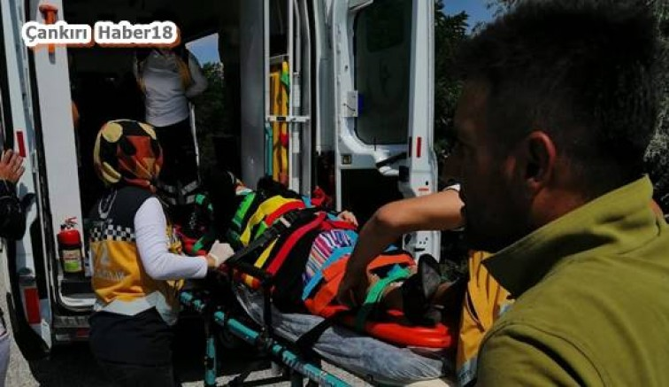 Çankırı - Şarampole Devrilen Araçta Sıkıştılar - Genel Haberler haber18 haberleri