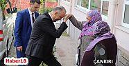 Çankırı - haber18 - Vali Hamdi Bilge Aktaş Huzurevi Sakinleriyle Kahvaltıda Bir Araya Geldi - Valilik Haberleri