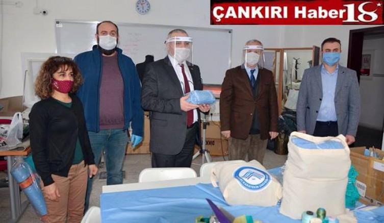 Çankırı Üniversitesi 1000 Adet Profesyonel Maskeyi Çankırı Sağlık Müdürlüğüne Teslim Etti - Çankırı Üniversite Haber18 - attorney at law ,boat yacht  wealth luxury