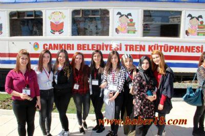 Üniversite Öğrencilerinden Kütüphane Çıkartması Çankırı Üniversite - Çankırı