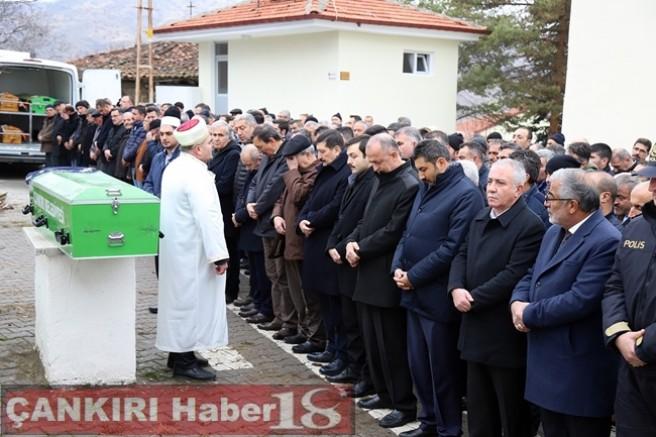 Çankırı - Vali Aktaş, Yakar Ailesinin Cenaze Törenine Katıldı - Vefat - haber18