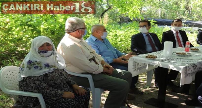 Vali Abdullah Ayaz, Şehit Hasan Gülhan ve Şehit Yılmaz Gülhan'ın Ailesini Ziyaret Etti - Çankırı Eldivan Haber18 - attorney at law ,boat yacht  wealth luxury