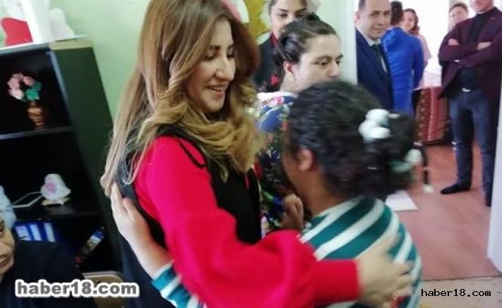 Çankırı - Vali Eşi, Seval Aktaş Çocukları Çok Mutlu Etti - Hamdi Bilge Aktaş haber18 haberleri