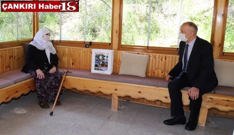 Valimiz Hamdi Bilge Aktaş'tan Anneler Günü Ziyaretleri - Çankırı valilik Haber18 - attorney at law ,boat yacht  wealth luxury