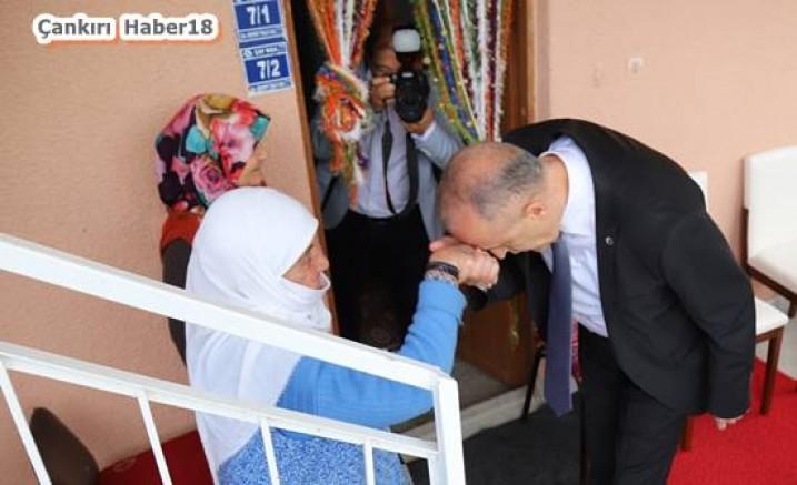 Çankırı - Vali Hamdi Bilge Aktaş, Şehit Aileleri Ve Gazileri Ziyaret Etti - Valilik Haberleri haber18 haberleri