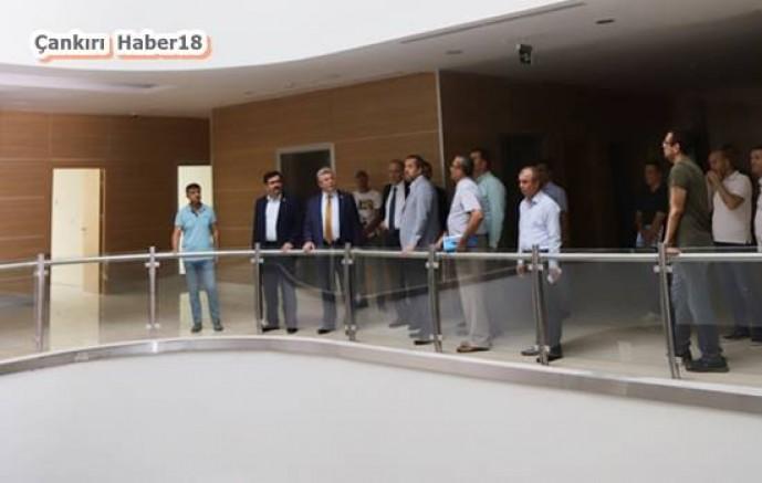 Çankırı - Vali ve Siyasiler Yeni Hükümet Binasında İncelemelerde Bulundu - Valilik Haberleri haber18 haberleri