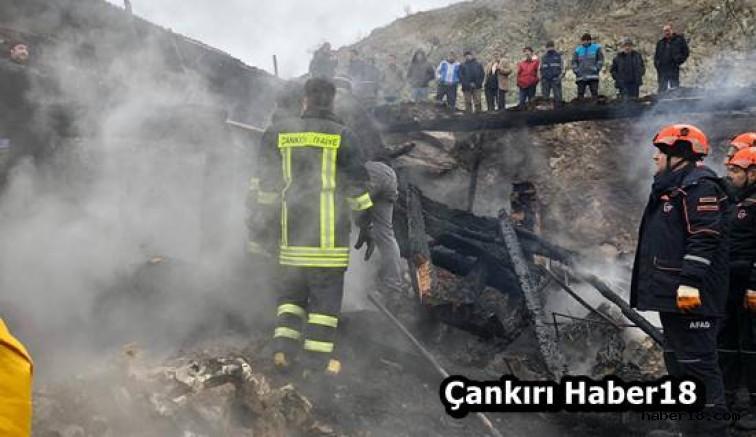 Yangında  Evin Enkazı Altında kaldı - Korgun - Çankırı - haber18