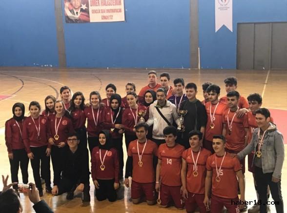 Yapraklı ÇPAL Kız-Erkek Hentbol Takımları İl Şampiyonu Oldu