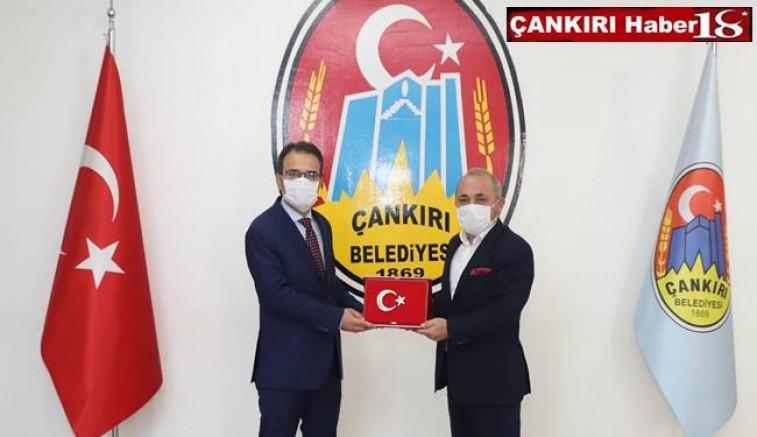 Vali Abdullah Ayaz,  Belediye Başkanı İsmail Hakkı Esenle Bir Araya Geldi - Çankırı Belediye Haber18 - attorney at law ,boat yacht  wealth luxury