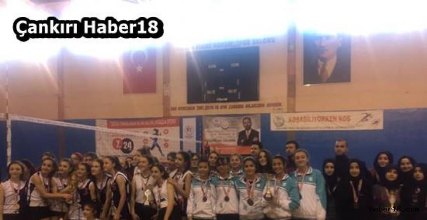 Çankırı - Yıldız Kızlar Voleybol İl Birinciliği Sonuçlandı - Çankırı Spor haber18 haberleri