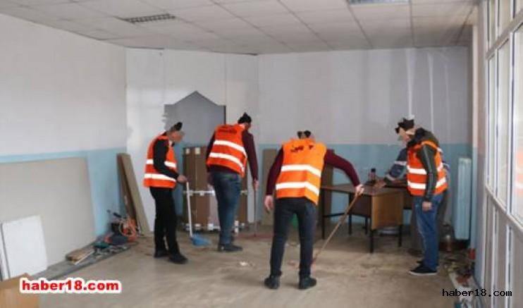 Yükümlüler Okullarda Bakım onarım ve Boyasını Yapıyorlar Kurumlar haber18 çankırı